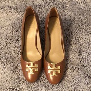 Tory Burch Lowell Wedge, size 8 BROWN